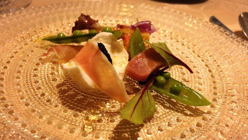ルパリエのメニュー 三重県産本鮪のマリネ お野菜のマンチェゴ 栗豚のハモンと黒トリュフ カプリ島風